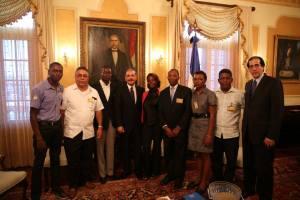 El Presidente Medina recibió a un grupo de personas afectadas por #SentenciaTC