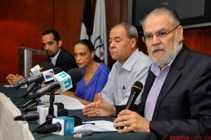 Miembros del Comité de Solidaridad con personas desnacionalizadas