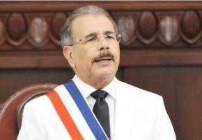 Danilo promulga la Ley de Régimen Especial yNaturalización