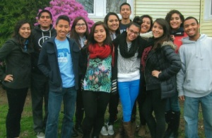 Veronica junto a sus compañeros  del Centro Latino de Tufts University de Bostón, Estados Unidos.